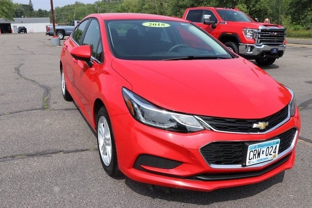 Used 2018 Chevrolet Cruze LT with VIN 1G1BE5SM8J7186184 for sale in Virginia, Minnesota