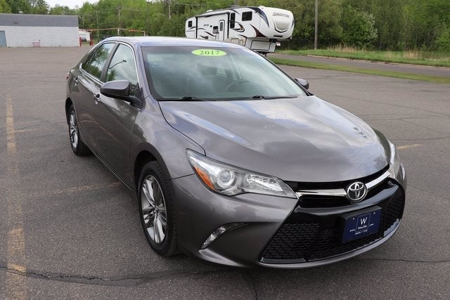 Used 2017 Toyota Camry SE with VIN 4T1BF1FK9HU439090 for sale in Virginia, Minnesota